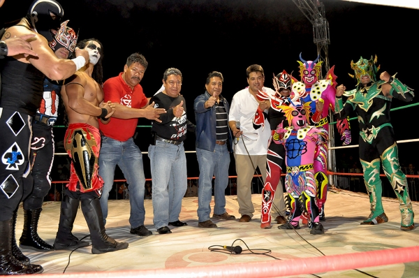 071214LUCHAS 02