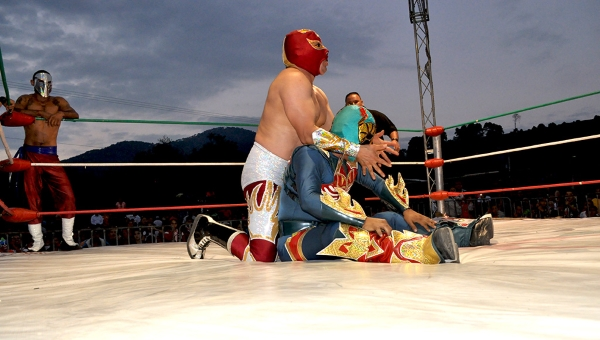 071214LUCHAS 05